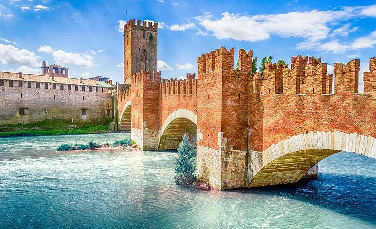 Castelvecchio, imponente castello medievale a Verona - Castelvecchio e il suo Museo, uno dei più bei monumenti della città di Verona.