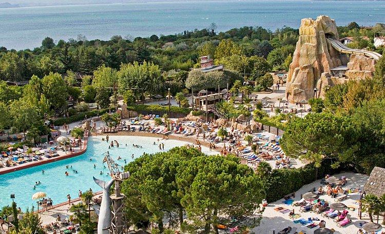 Caneva Aquapark ☀️ il parco acquatico del Lago di Garda - Caneva Aquapark Lago di Garda è un parco divertimenti acquatico a tema caraibico di oltre 100.000 mq ...