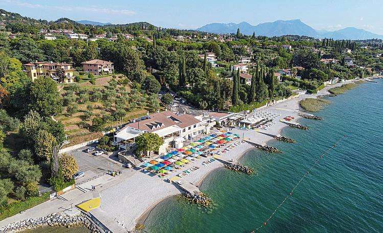 Padenghe sul Garda ☀️ Lake Garda - What to do and see in Padenghe sul Garda. Furthermore, discover the most beautiful beaches of Padenghe sul Garda.