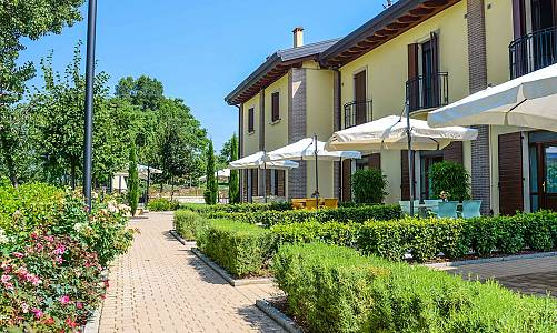 Agriturismo B&B Corte Tonolli - Valeggio Sul Mincio (Verona)